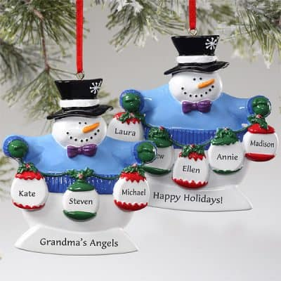 Adorable snowman family Christmas ornament is just too cute! Personalized Christmas ornaments start at under $20...they're inexpensive family gift ideas for Christmas that everyone can enjoy.