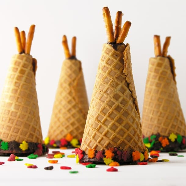 Easy Thanksgiving desserts - Teepee Cupcakes