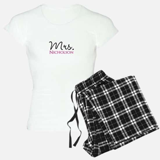 Personalized Mr and Mrs pajamas are fabulous gifts for newlyweds!