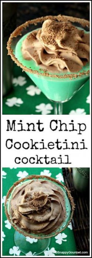St. Patrick's Day Drinks - Looking for a fabulous St. Patrick's Day cocktail? Check out the recipe for this scrumptious green cocktail that combines mint and cookie flavors in a delicious adult beverage!