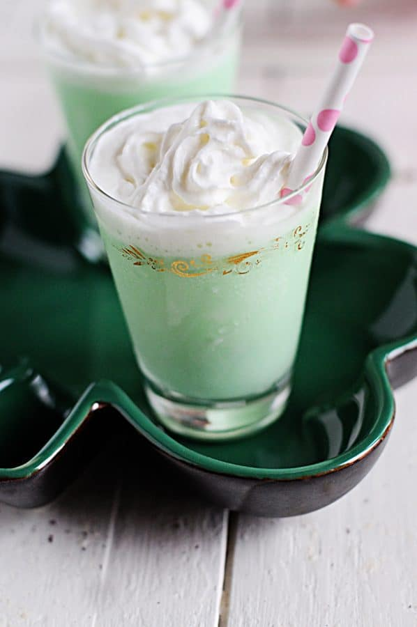 Looking for a minty ice cream treat for St. Patrick's Day? Try out this delightful Grasshopper Ice Cream Cocktail!