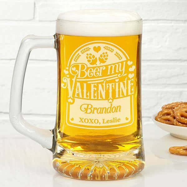 Valentines Day gifts for men - Let your husband or boyfriend know you love him beery much with this fun personalized Valentines Day mug!  #FINDinista.com #valentinesgiftforhim