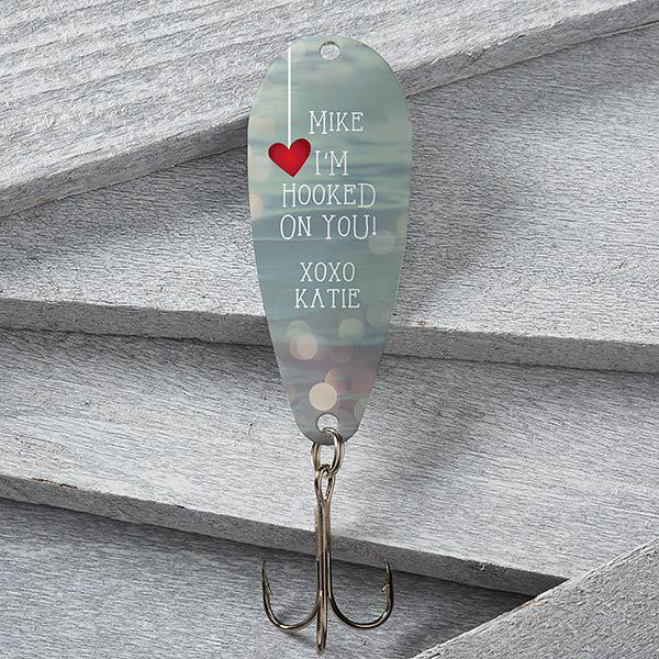 "Inexpensive Valentine's Day gifts for husband - Looking for a Valentine's Day gift for your husband that doesn't cost a lot?  Delight him with this adorable ""I'm Hooked on You"" personalized fishing lure.  Click for details and to see more inexpensive Valentine's Day gift ideas for him.  #FINDinista.com  #valentinesday #valentinesgifts"