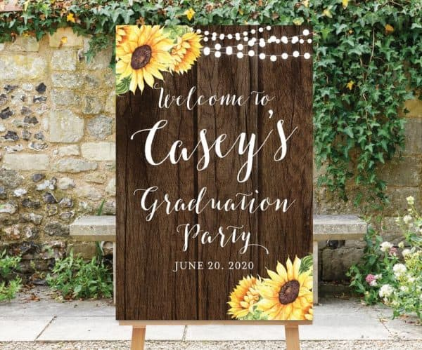 Grad Party Welcome Sign - welcome your graduation party guests in style with a cheerful personalized sign.  #FINDinista #gradpartydecorations