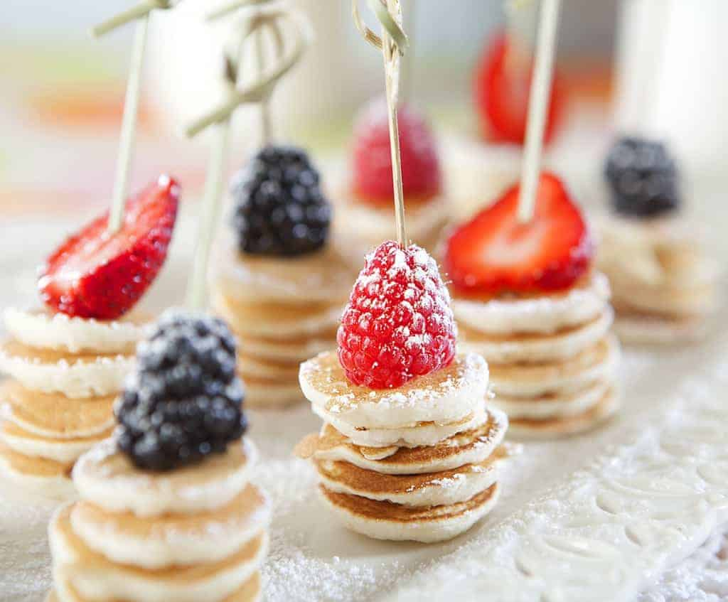 The whole family will enjoy these delightful silver dollar pancake skewers!  Perfect for Mother's Day breakfast in bed!