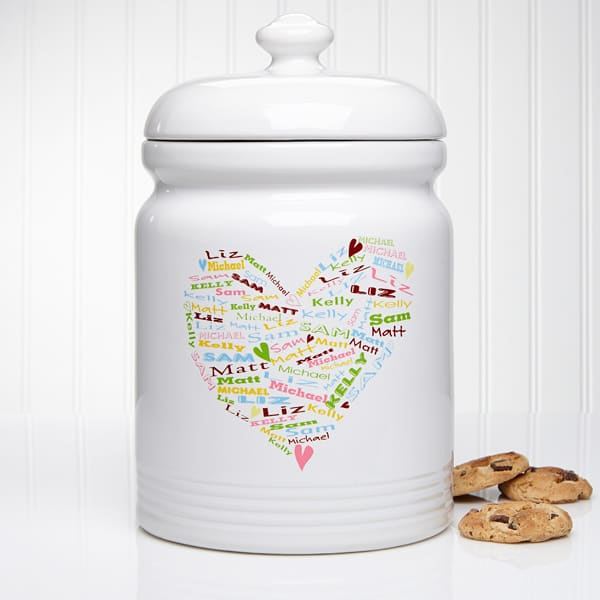 Looking for fun birthday gift ideas for your mom?  Treat the mom who loves to bake to a personalized cookie jar!